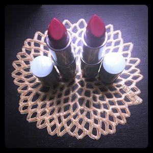 Sale! 💄 Set of 2, Clinique Lipstick! ✨